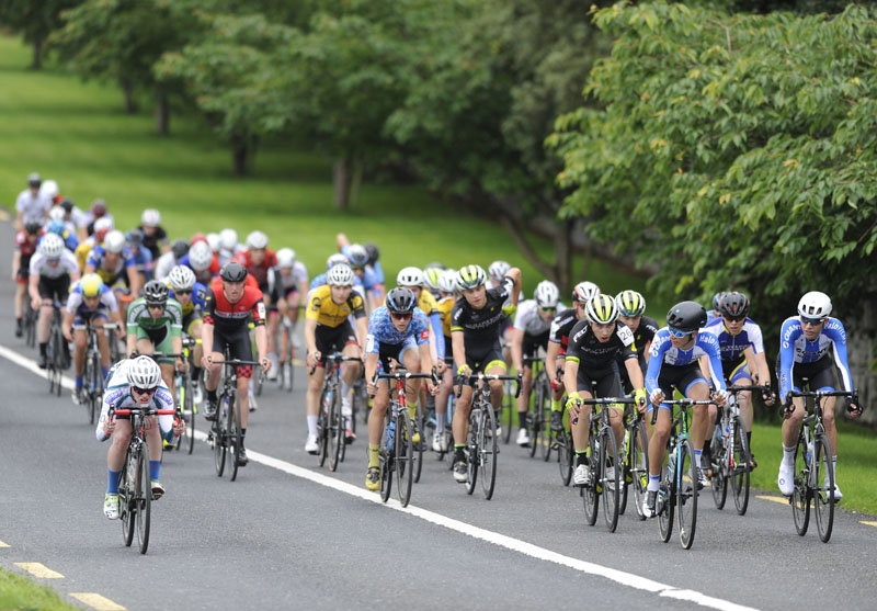 17 July 2016; A general view of the peloton during Stage 6 of the 2016 Scott Bicycles Junior Tour of Ireland, Ennis, Co. Clare. Picture credit: Stephen McMahon/SPORTSFILE